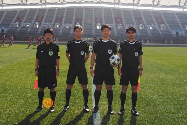 17_REFEREE_youth2-4.jpg